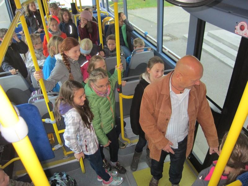 Bus14.jpg